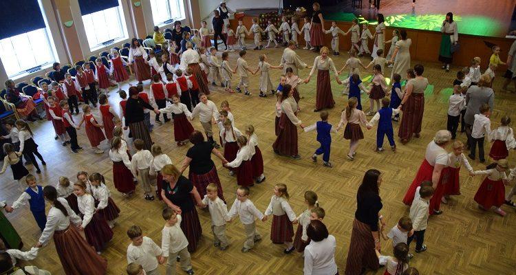 Mulgimaa laste folklooripäeval